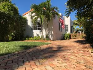 817 Claremore Drive, West Palm Beach, FL 33401