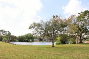 7902 Lakeland Boulevard, Fort Pierce, FL 34951