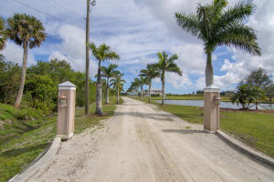 3130 Seminole Road, Fort Pierce, FL 34951