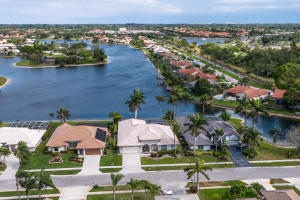 7073 Lake Island Drive, Lake Worth, FL 33467