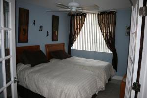 1727 Village Boulevard, West Palm Beach, FL 33409