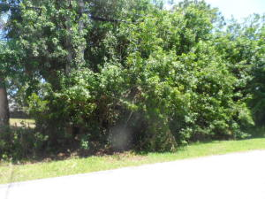 6006 Spruce Drive, Fort Pierce, FL 34982