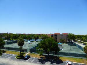 600 Egret Circle, Delray Beach, FL 33444