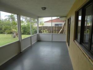 392 Se Calmoso Drive, Port Saint Lucie, FL 34983