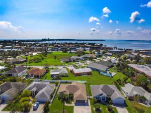 1321 Carlton Court, Fort Pierce, FL 34949