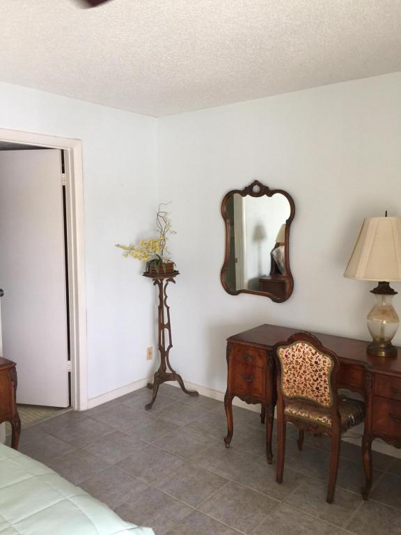 166 Chatham H, West Palm Beach, FL 33417