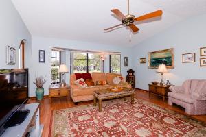 1931 Se Bowie Street, Port Saint Lucie, FL 34952