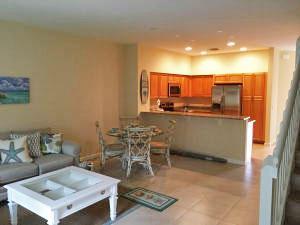 4464 Leo Lane, Palm Beach Gardens, FL 33410