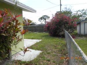 2405 Royal Palm Drive, Fort Pierce, FL 34982