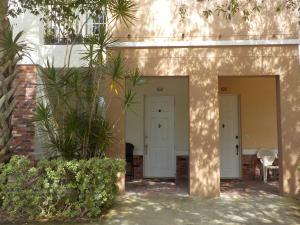 10560 Sw Stephanie Way, Port Saint Lucie, FL 34987