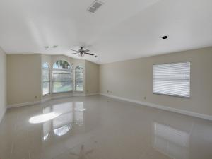 1118 Se Preston Lane, Port Saint Lucie, FL 34983