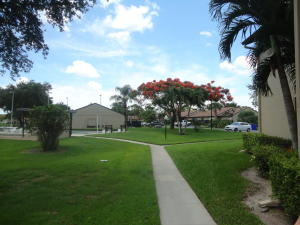539 Shady Pine Way, Greenacres, FL 33415