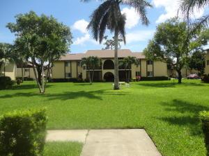 302 Pine Ridge Circle, Greenacres, FL 33463