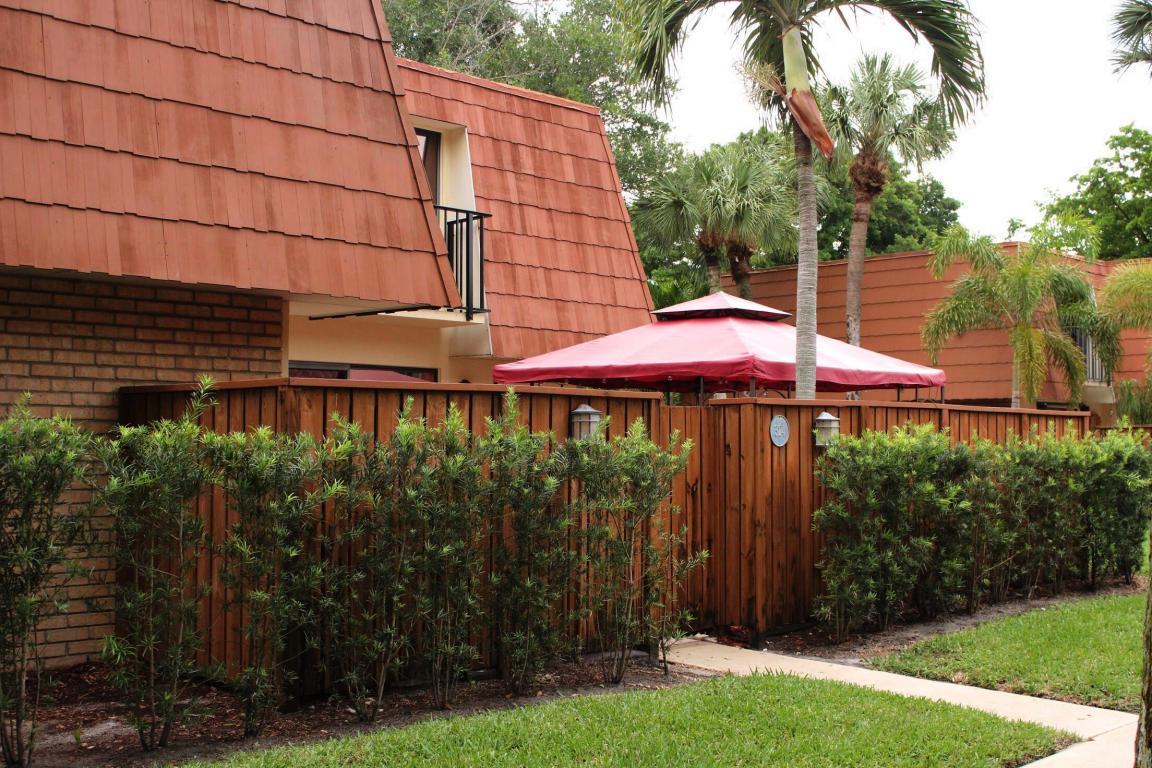 324 Buttonwood Ln. Lane, Boynton Beach, FL 33436