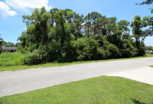 728 Ne Eastlake Street, Saint Lucie West, FL 34983