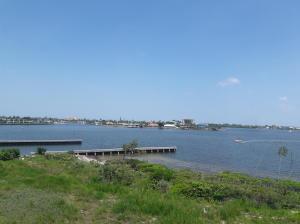 20 Harbour Isle W Drive, Fort Pierce, FL 34949