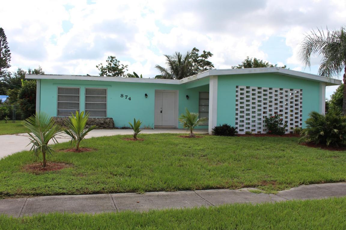874 Se Solaz Avenue, Port Saint Lucie, FL 34983