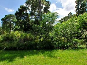 2720 Se Howell Avenue, Port Saint Lucie, FL 34953