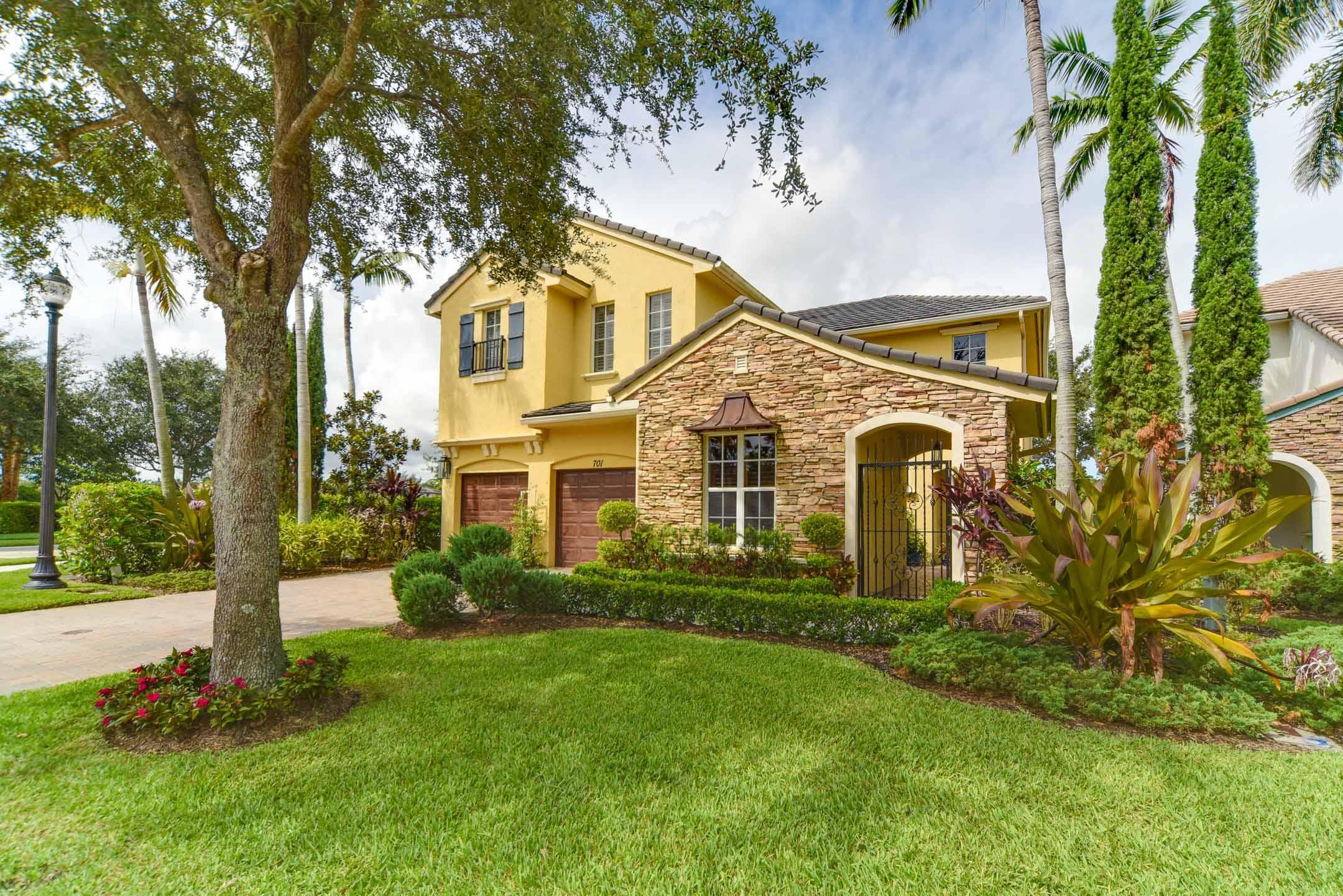 701 Bocce Court, Palm Beach Gardens, FL 33410