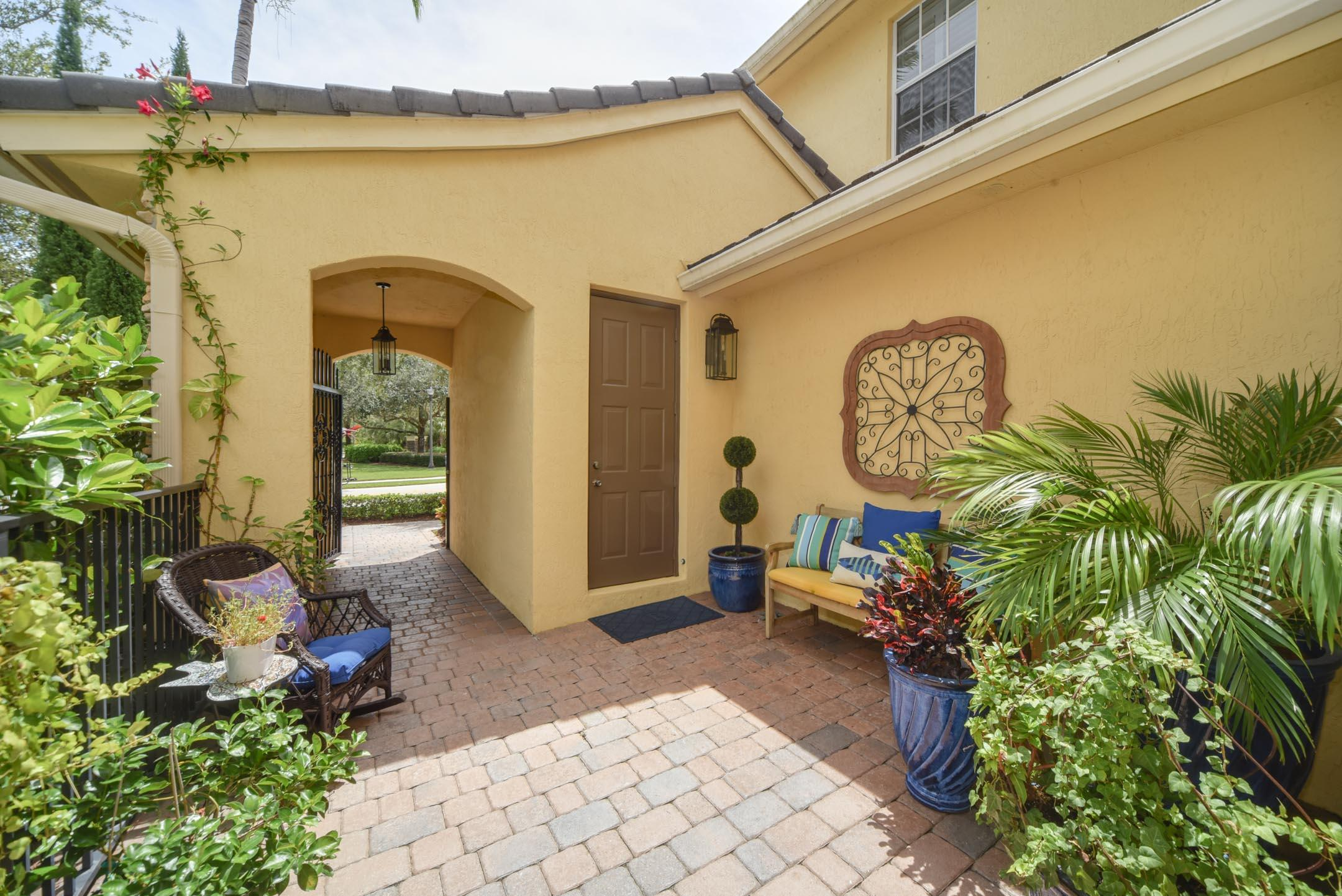 701 Bocce Court, Palm Beach Gardens, FL 33410