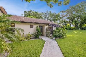 96 Via De Casas Norte, Boynton Beach, FL 33426