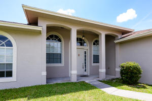 2238 Sw Mount Vernon Street, Port Saint Lucie, FL 34953