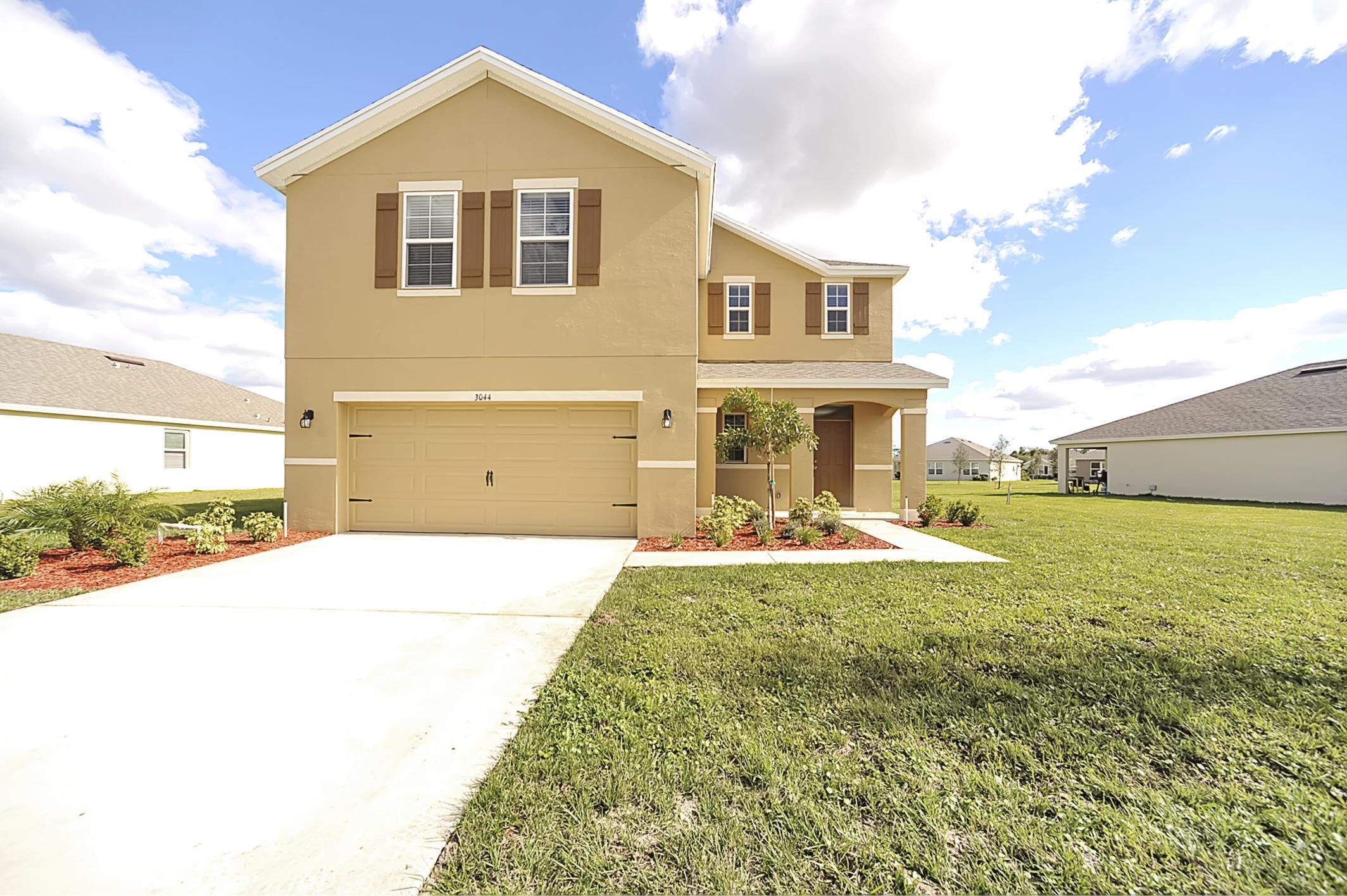 3044 Woodswalk Drive, Fort Pierce, FL 34945