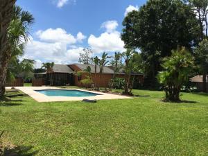 385 Nw Fairfax Avenue, Port Saint Lucie, FL 34953