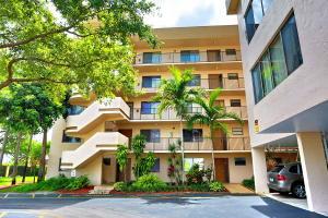 8040 Hampton Boulevard, North Lauderdale, FL 33068