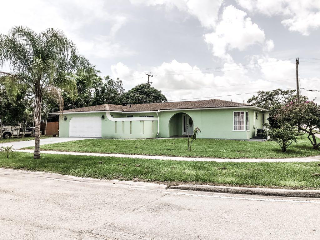102 Ne Lobster Road, Fort Pierce, FL 34983
