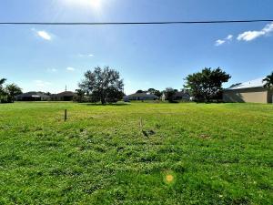 2462 Sw Monterrey Lane, Port Saint Lucie, FL 34953