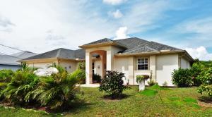 3717 Sw Wycoff Street, Port Saint Lucie, FL 34953