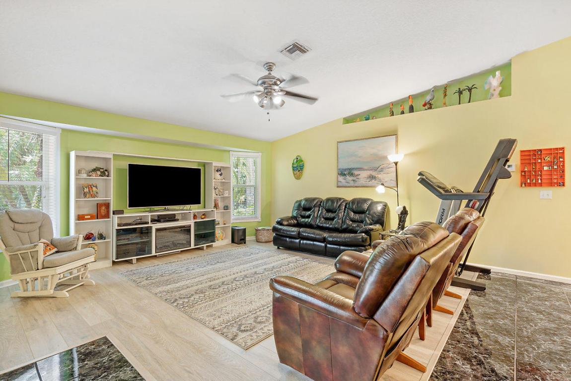 11194 67th N Place, Royal Palm Beach, FL 33412