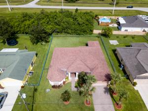 5208 Nw West Piper Circle, Port Saint Lucie, FL 34986