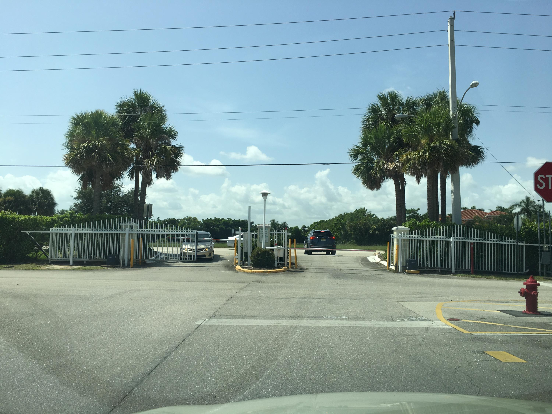 126 Saxony C Lane, Delray Beach, FL 33446
