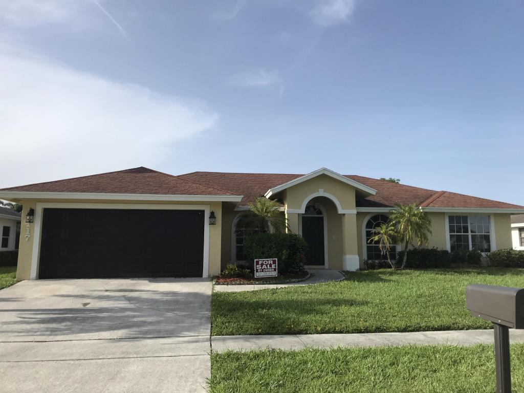 117 Waterview Way, Royal Palm Beach, FL 33411