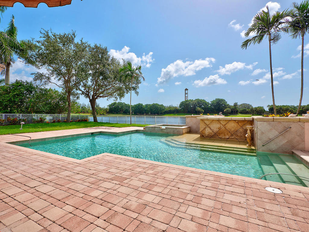 8188 Lakeview Drive, West Palm Beach, FL 33412