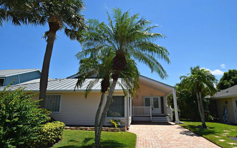 3266 Ne Catamaran Terrace, Jensen Beach, FL 34957