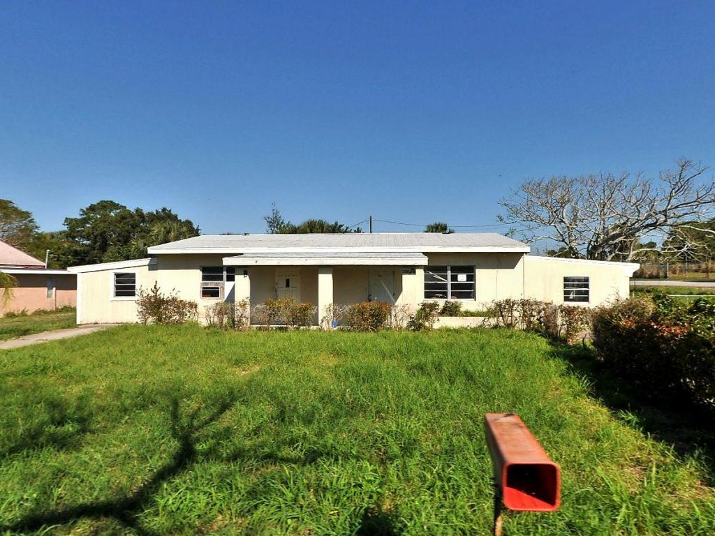 2106 Donald Av Avenue, Fort Pierce, FL 34950