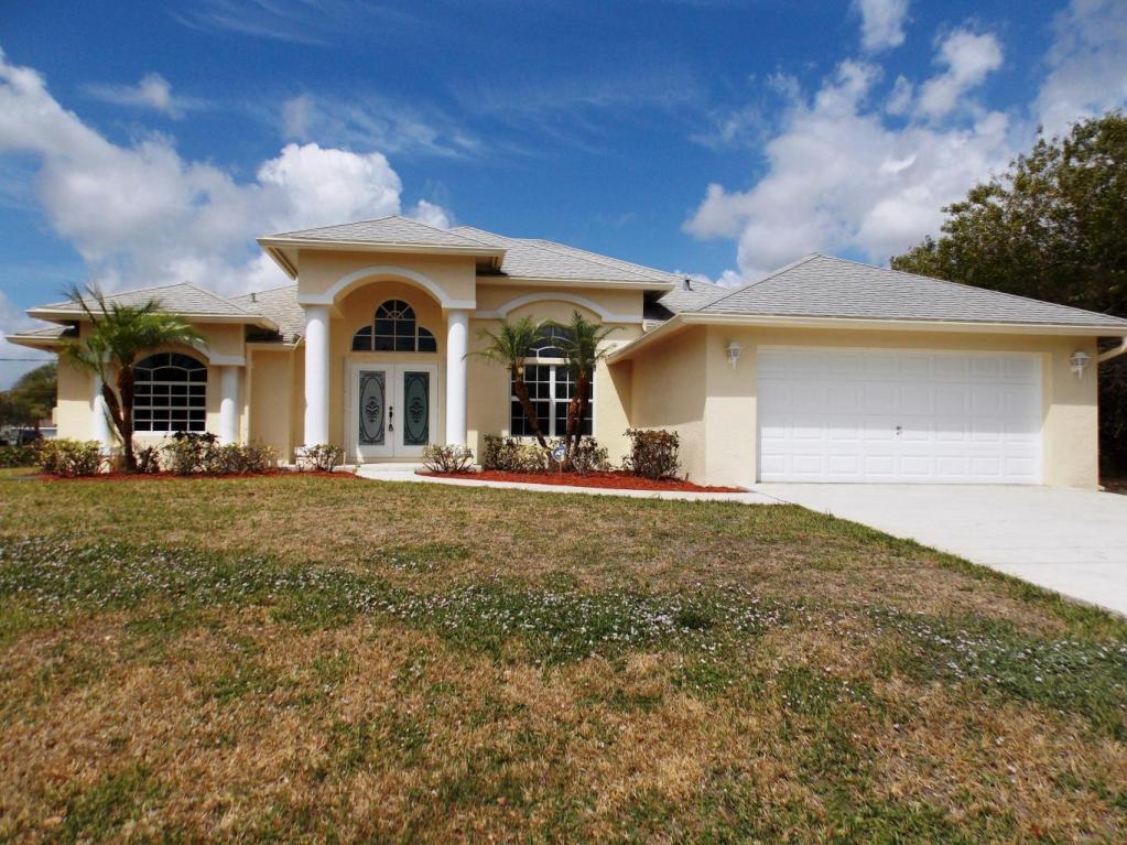4382 Sw Paley Road, Port Saint Lucie, FL 34953