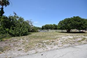 205 Seacrest Lane, Delray Beach, FL 33444