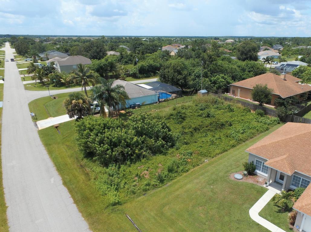 4488 Sw Athena Drive, Port Saint Lucie, FL 34953