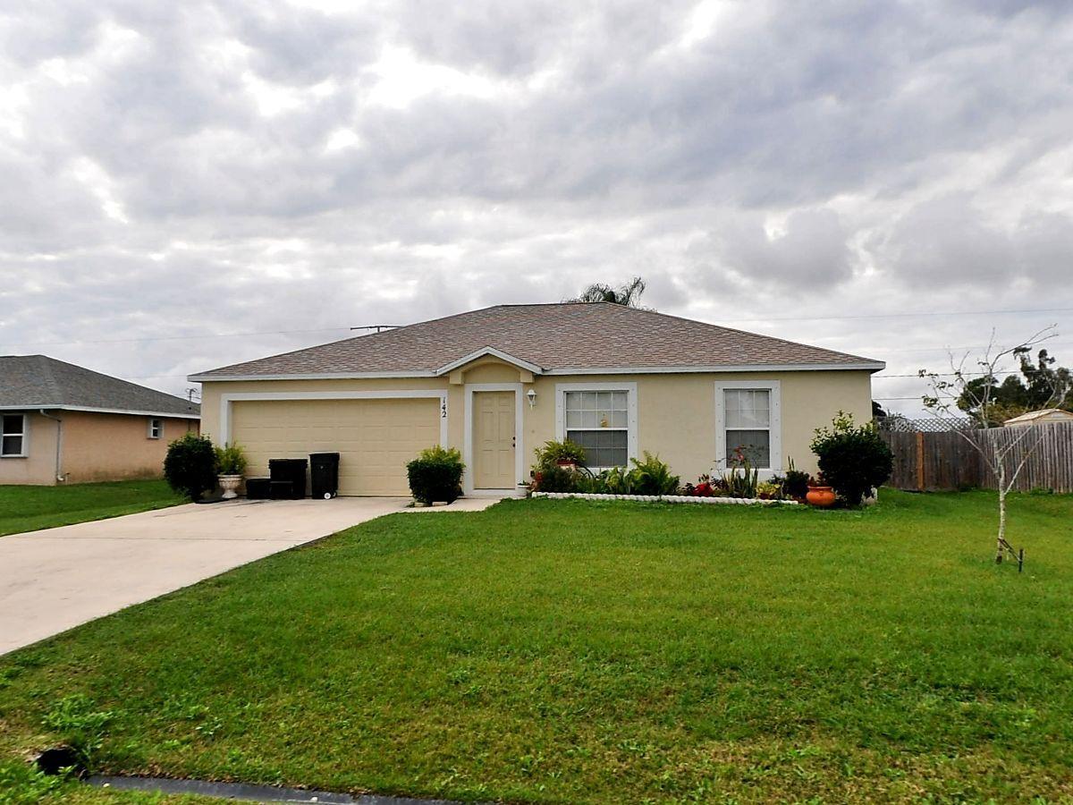 142 Nw Curtis Street, Port Saint Lucie, FL 34983