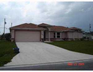 2086 Sw Pruitt Street, Port Saint Lucie, FL 34953