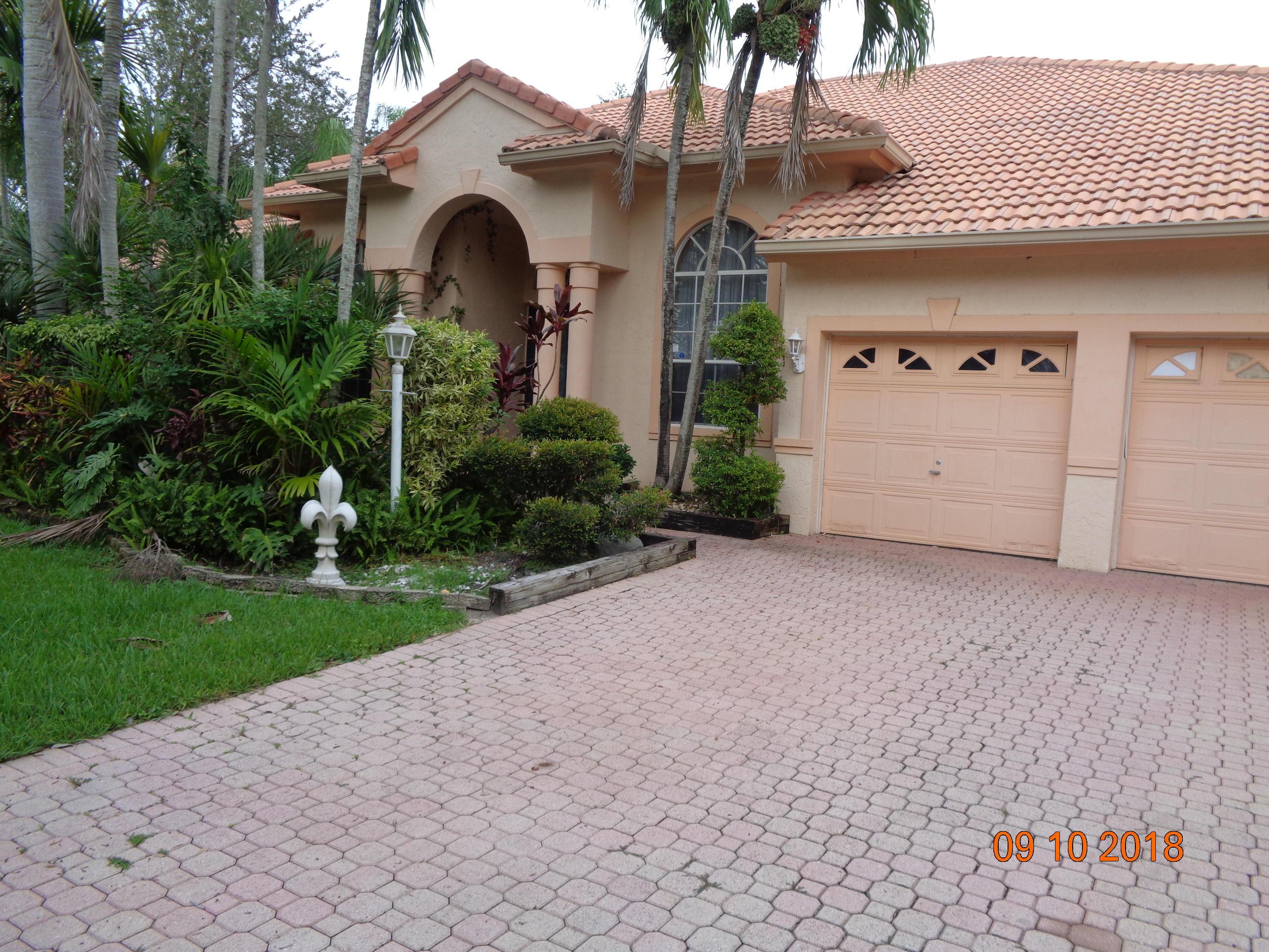 6402 Champlain Terrace, Davie, FL 33331