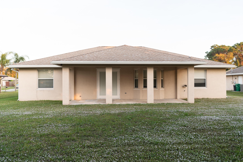 1340 Se Ladner Street, Port Saint Lucie, FL 34983