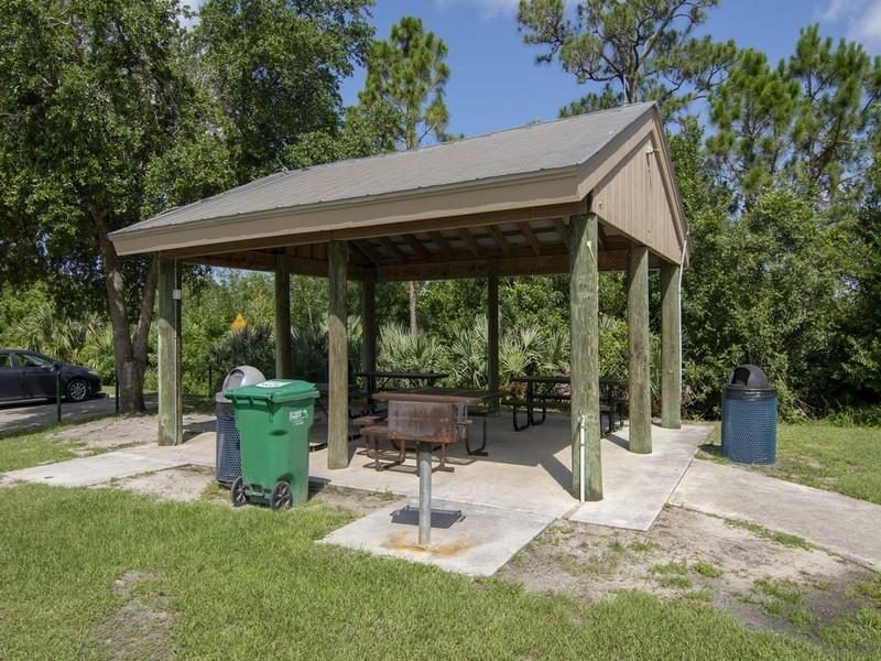 645 Ne Moss Rose Place, Port Saint Lucie, FL 34983