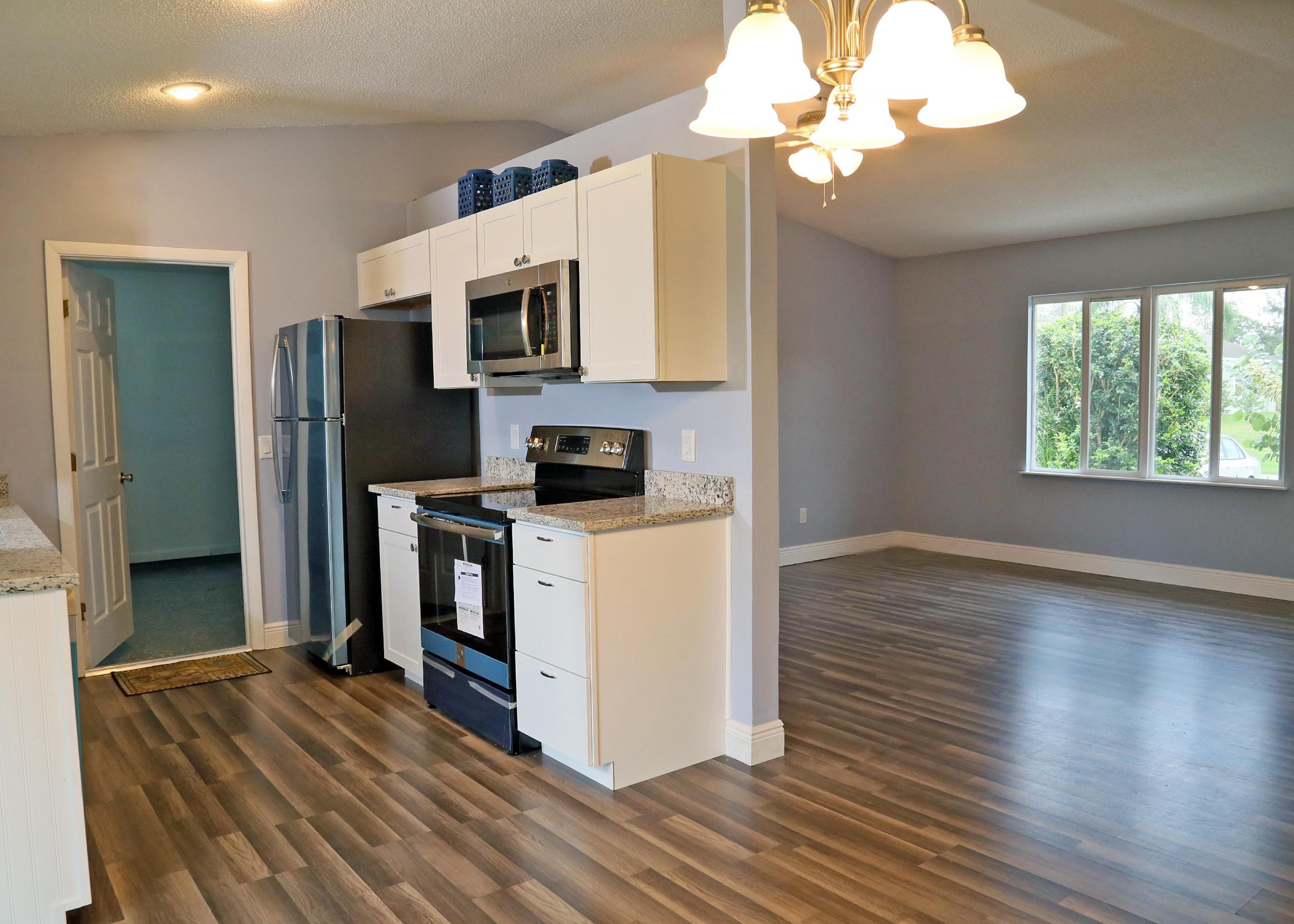 1261 Sw Bellevue Avenue, Port Saint Lucie, FL 34953