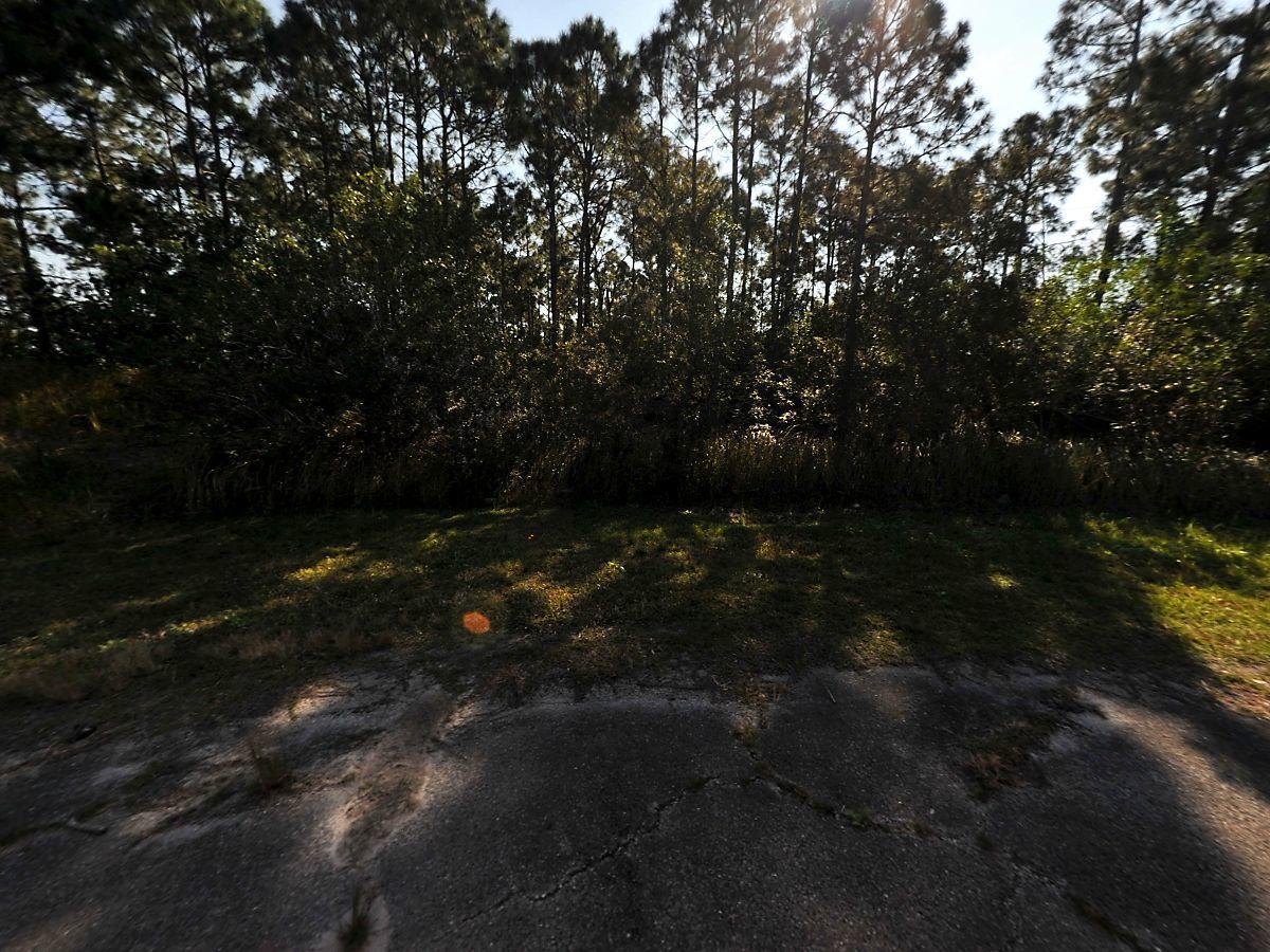 5925 Nw Hoke Court, Port Saint Lucie, FL 34983