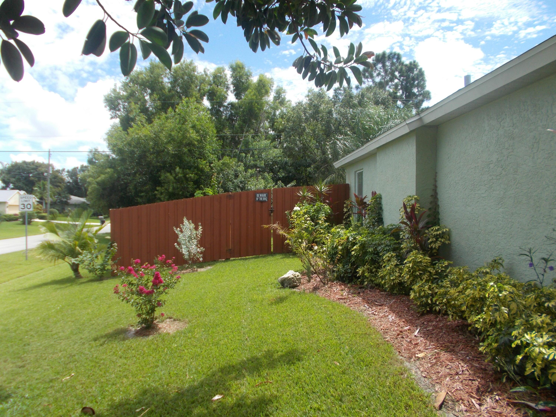 5687 Nw Macedo Boulevard, Port Saint Lucie, FL 34983